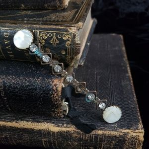 Antique Victorian 1800s pin!